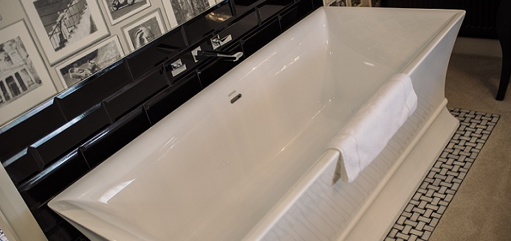 The Penrose freestanding acrylic bath at Alrewas Hayes