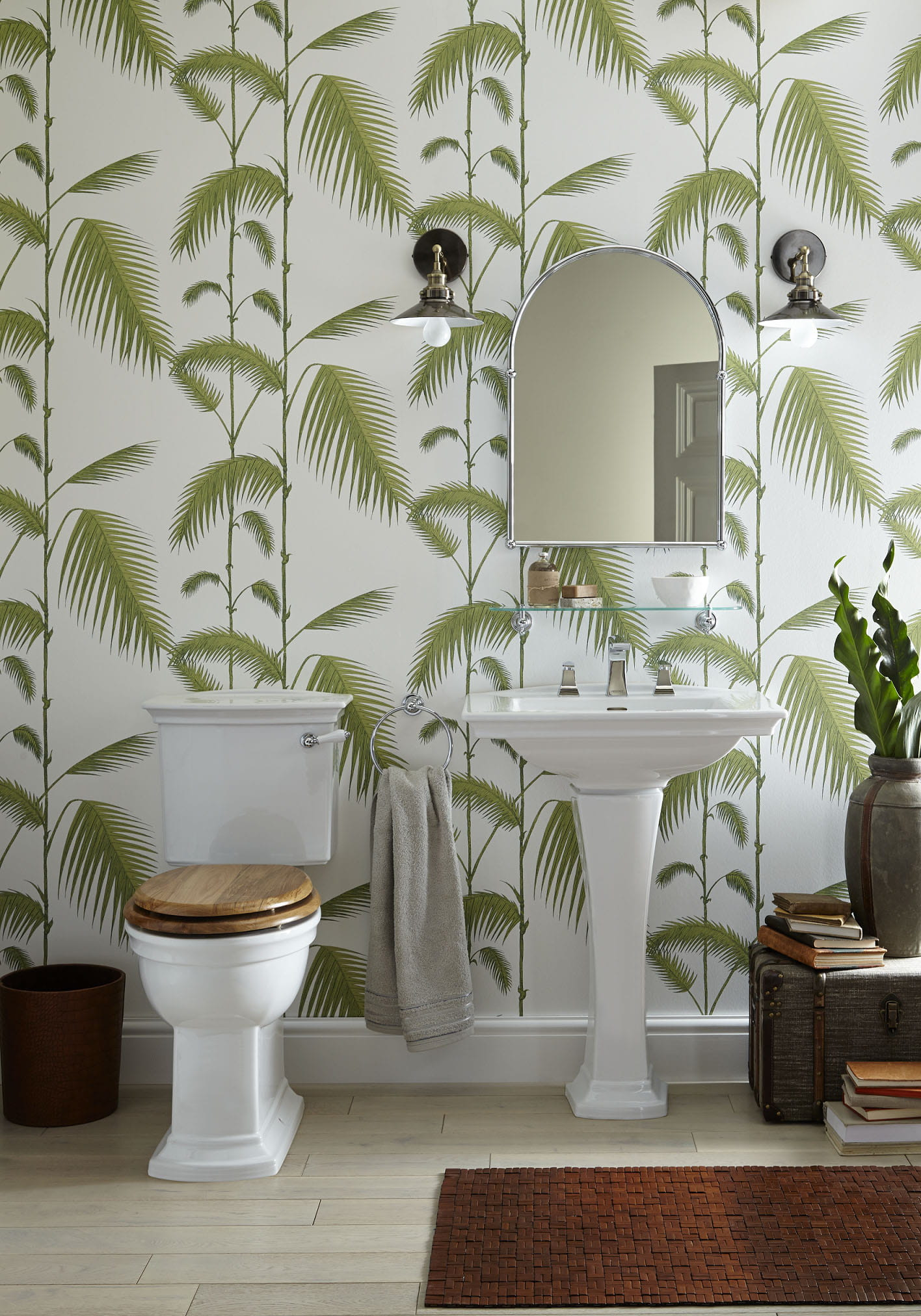 Blenheim suite with Palm Tree Wallpaper